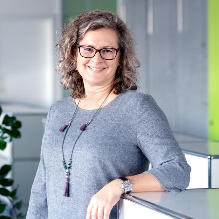 Astrid Schmetzer, in der Administration bei Beltronic
